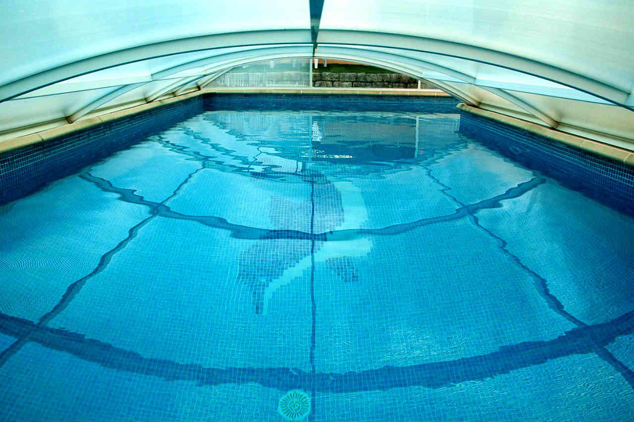 zadaszenia basenów - jak wybrać