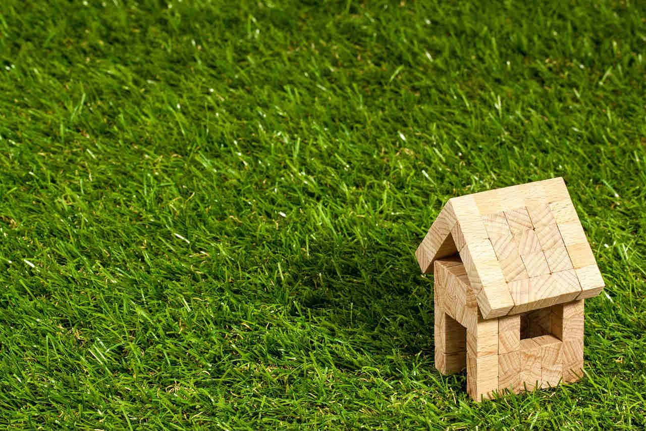 domek na trawie - tania sauna