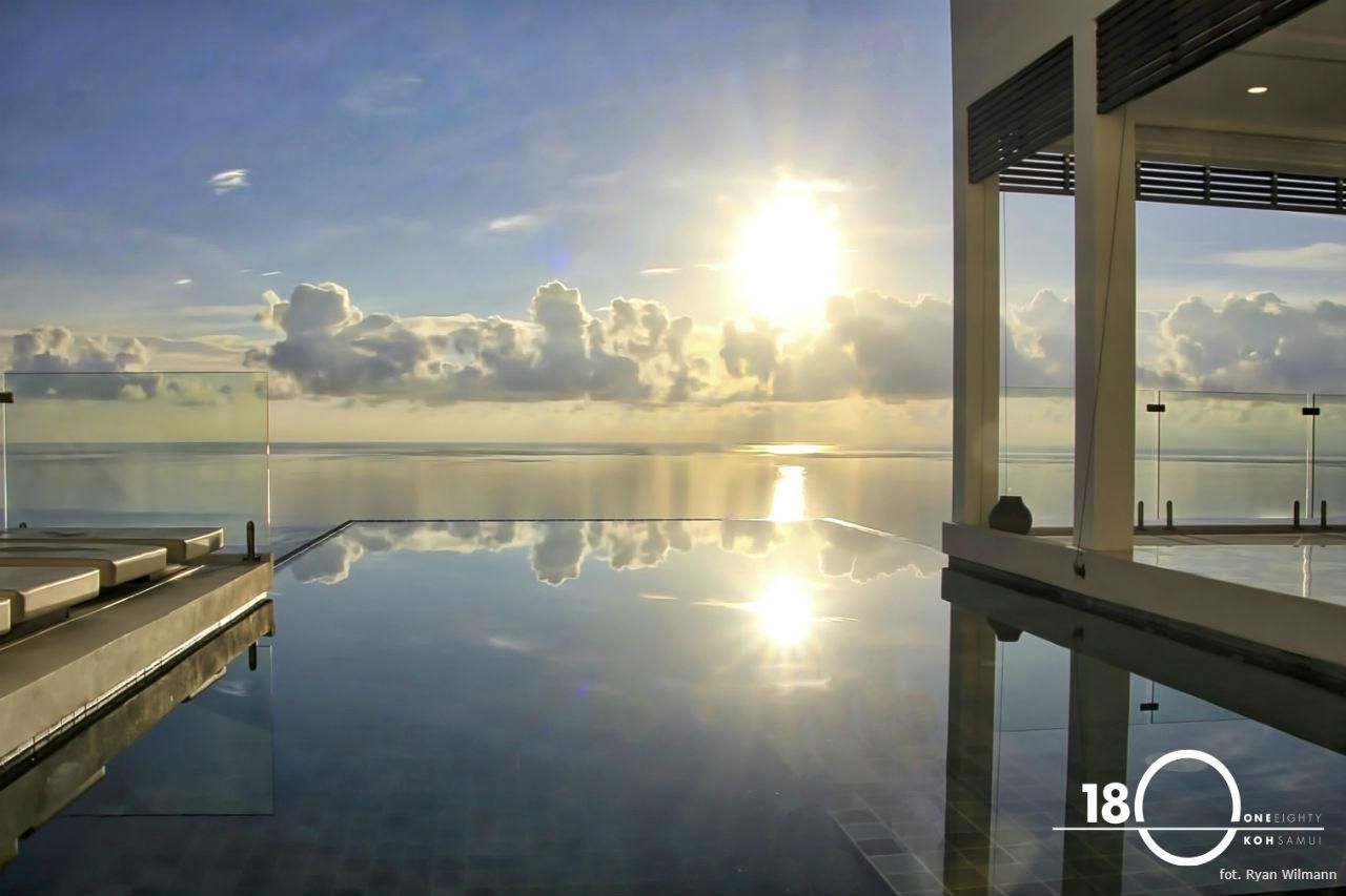180 Samui basen i horyzont