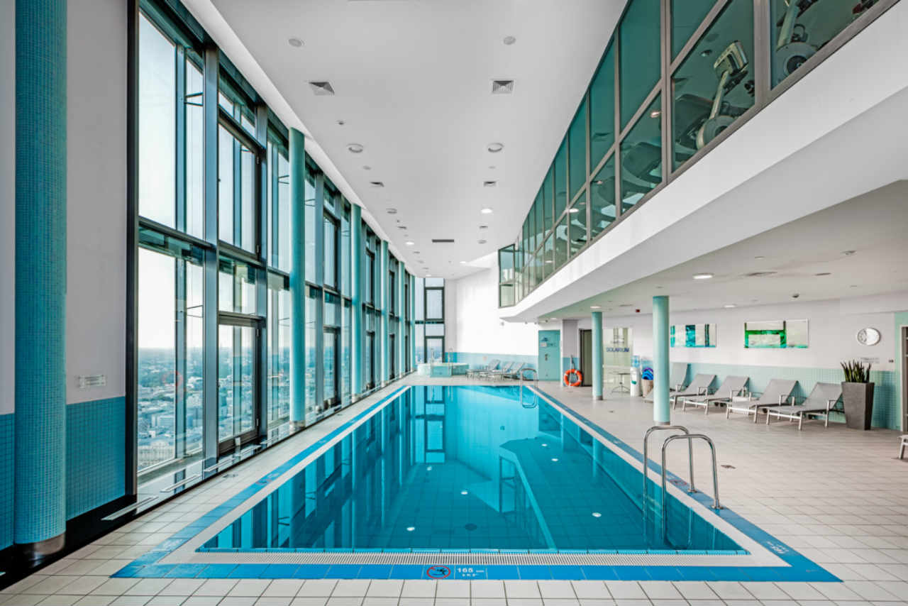 basen na 43 piętrze InterContinetal
