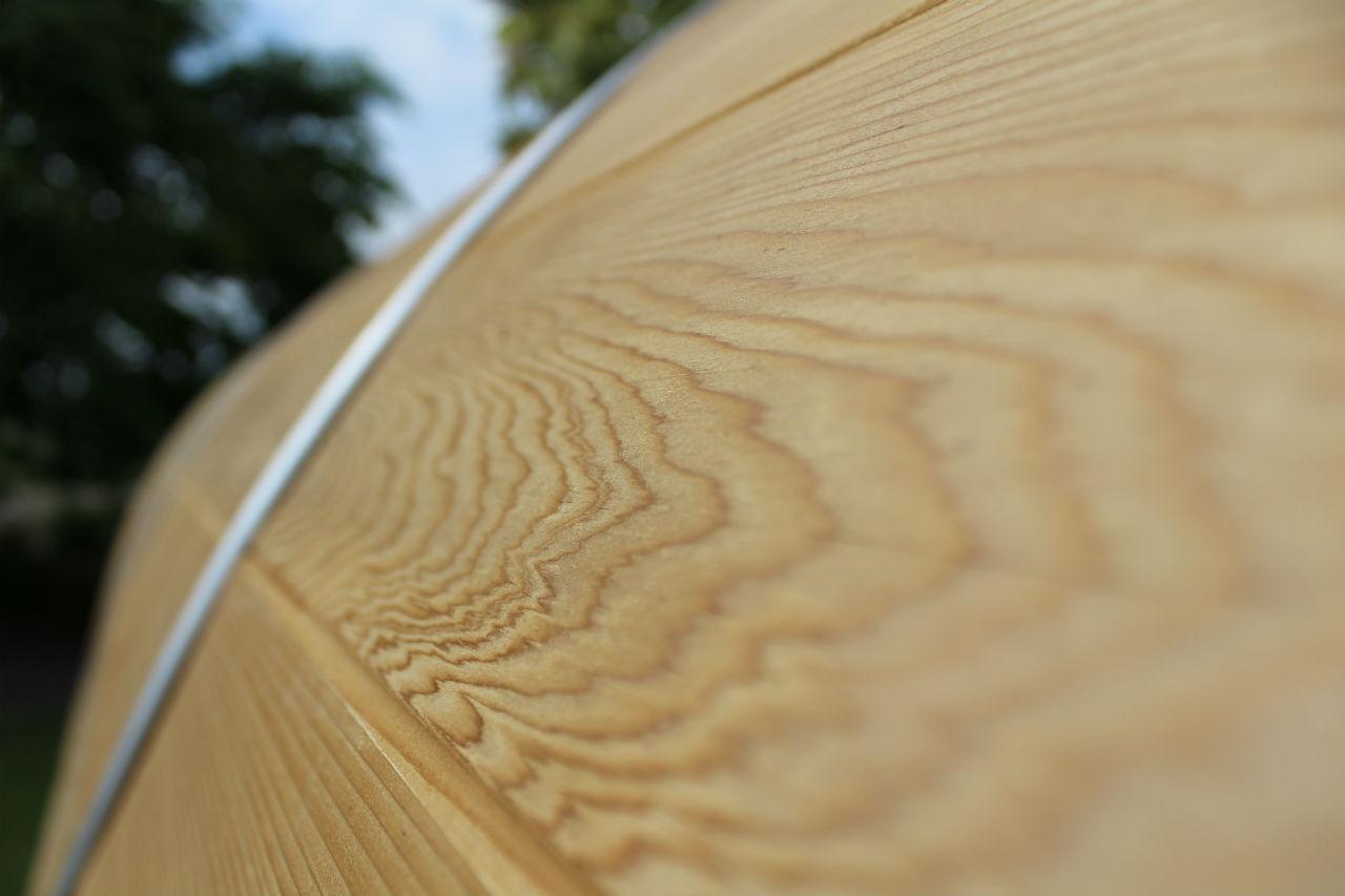 wygląd drewna cedrowego z bliska