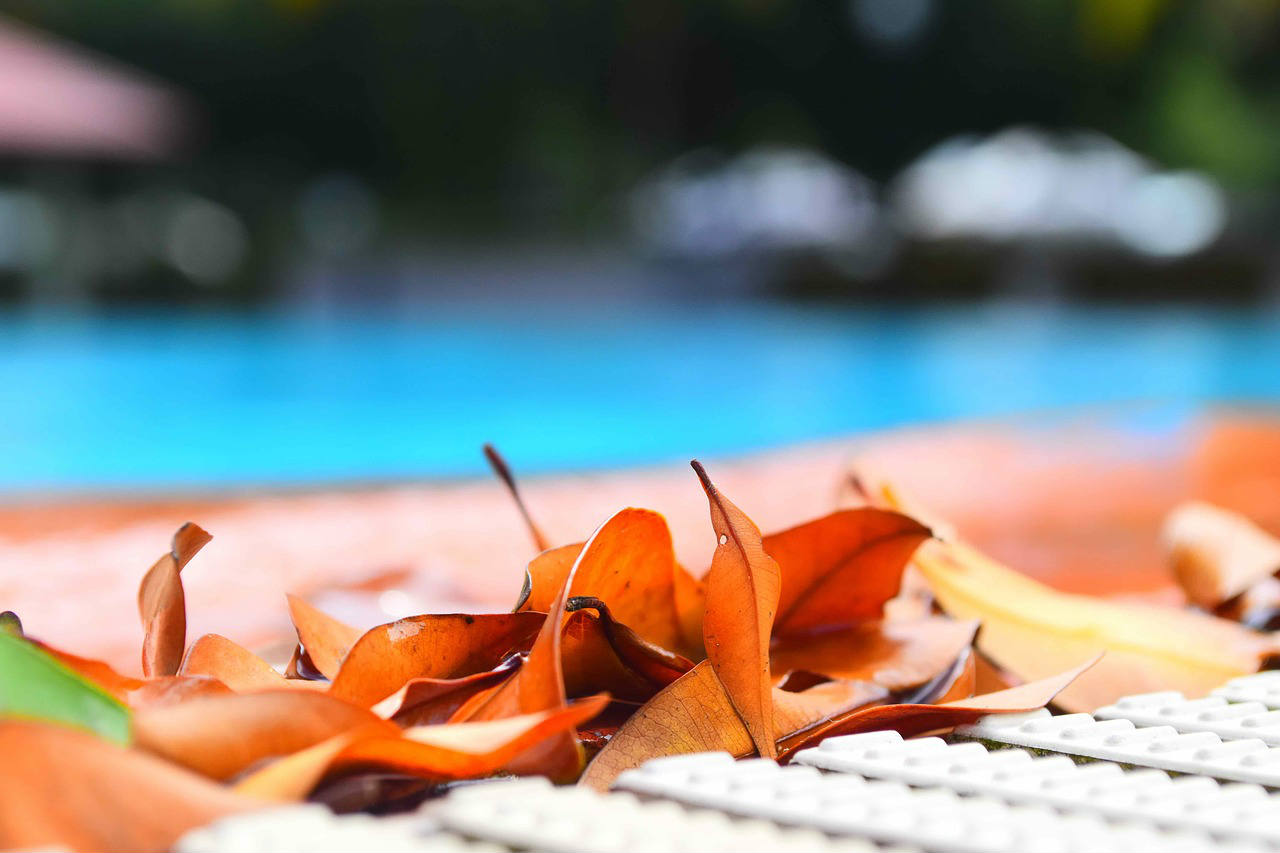 Przykrycia basenowe, pokrycia na basen, plandeki do basenu, pokrywy na basen, folie basenowe, nakrycia basenów, rolety basenowe, przykrycia żaluzyjne, żaluzje na basen, folie solarne, folie pływające