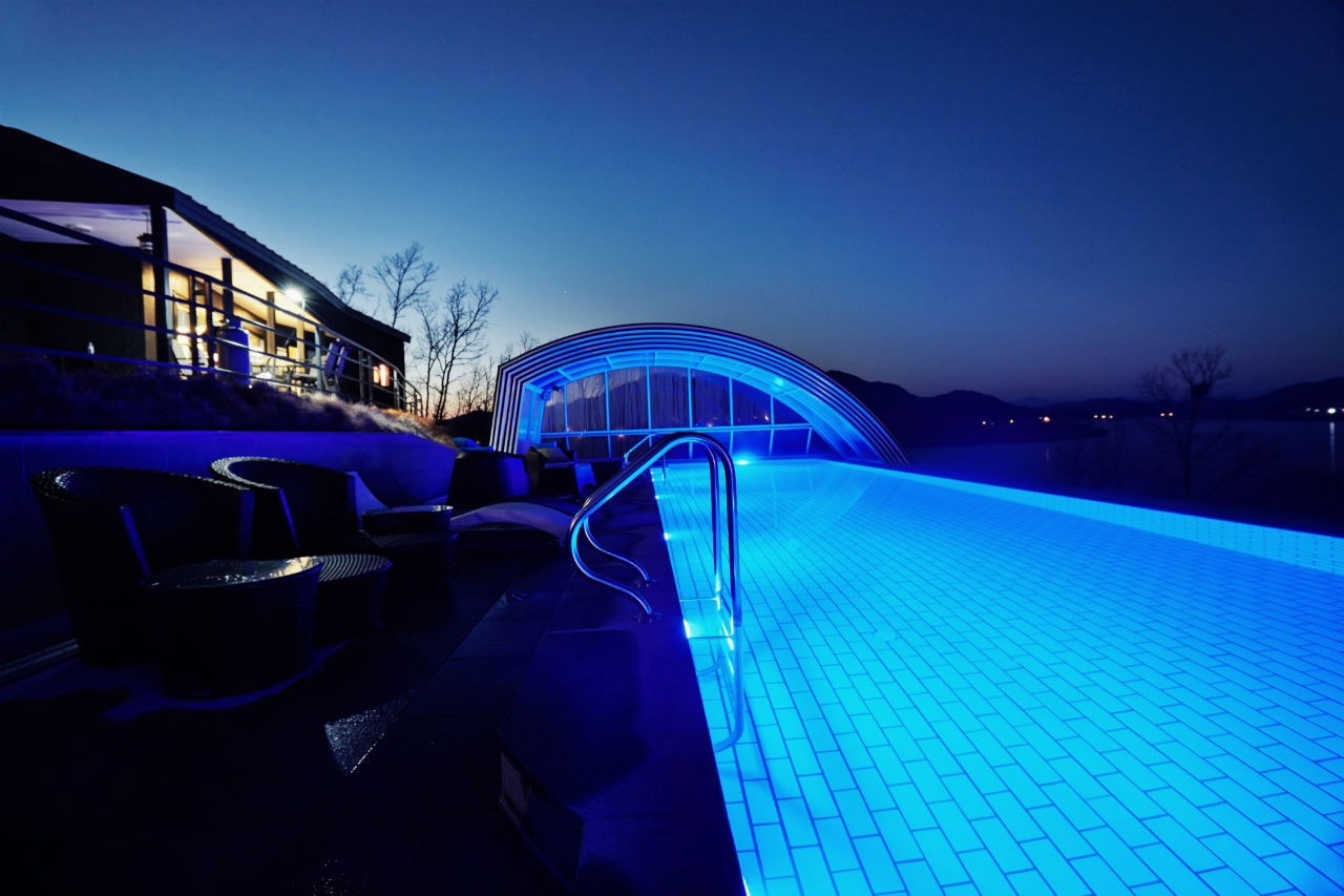 zaaszenie basenu na noc