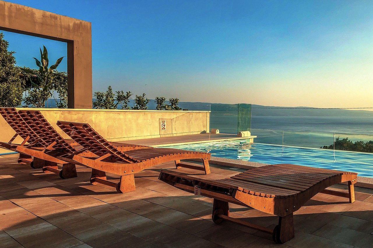 lażaki basenowe dla hoteli (1)