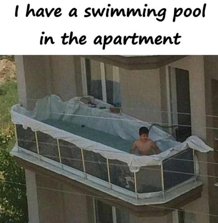 basen na balkonie mem