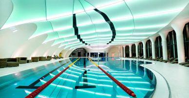 Baseny ze stali nierdzewnej – dlaczego hotele i SPA wybierają Berndorf
